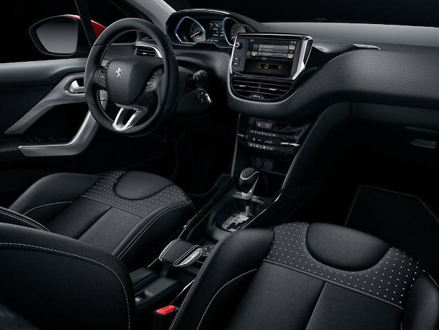 Peugeot 2008 2017 - interior
