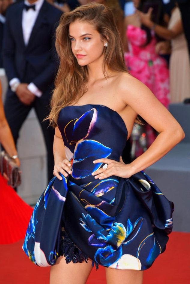 Barbara Palvin Looks Perfect in Blue Outfit