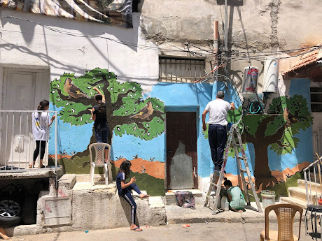 In 2021, Palestinian citizens of Silwan colour and paint their houses