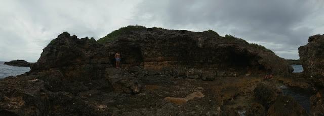 Liog-Liog Rock Formation, Carnaza Island, Cebu