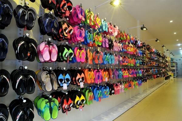 Cung cấp giày dép thái lan