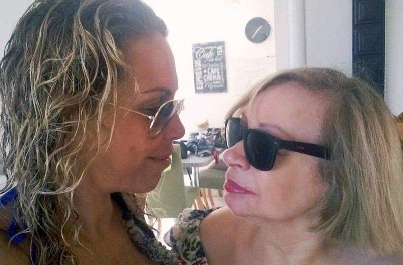 Francesca Conserva cuida a su mamá en cuarentena