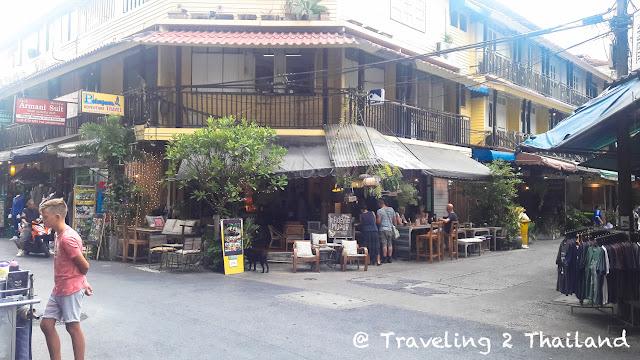 A small street in Sam Sen, Bangkok - Thailand