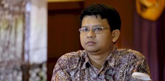 Kritisi Penurunan Baliho Oleh TNI, Pengamat: Cukup Polri yang Bantu Satpol PP