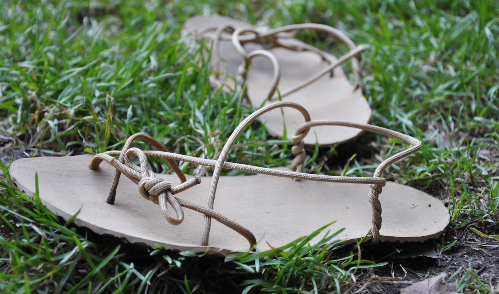 Moje první vlastnoručně vyrobené boty - barefoot sandále nazývané taky jako  huarache. Použila jsem plotnu adidas o tloušce 4 mm v béžové ... 29e8269117