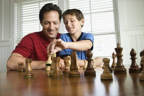 On peut apprendre les règles du jeu d'échecs en trente minutes