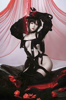 Ngắm mỹ nhân Hoshilily @星之迟迟 Cosplay trang phục đen nóng bỏng