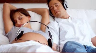 4 thắc mắc thường gặp khi bà bầu nghe nhạc
