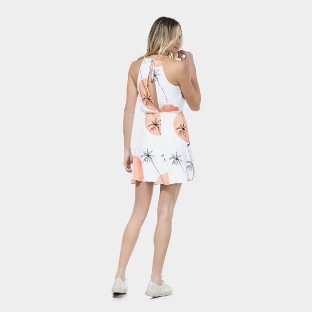 Fechamento por zíper invisível nas costas abertura nas costas e alças que terminam em amarração