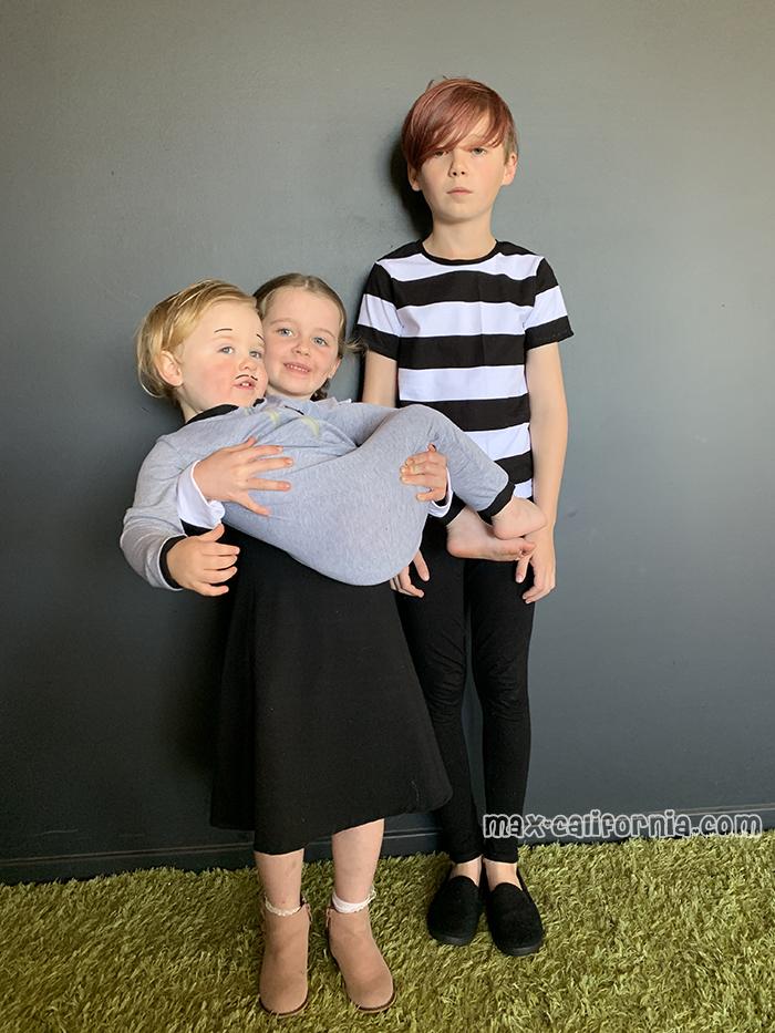 DIY Addams Family Costumes   • www.max-california.com