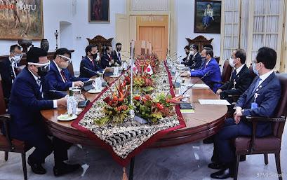 Presiden Jokowi Bersama Perdana Menteri Jepang Yoshihide Suga Lakukan Pertemuan Bilateral