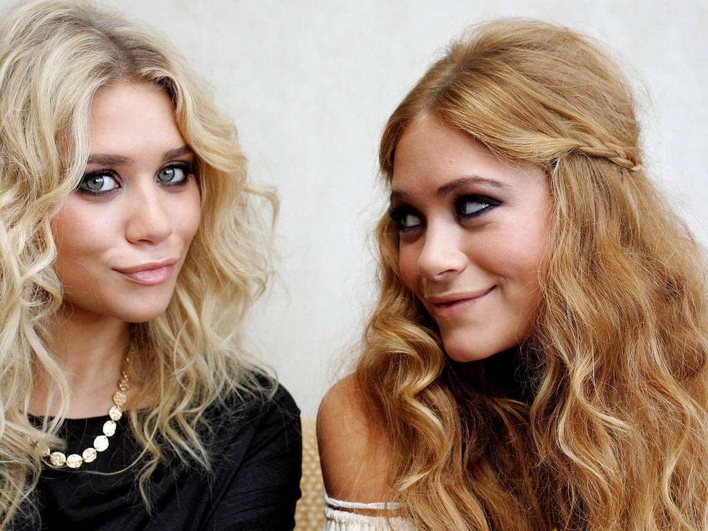 Mary kate and ashley olsen twins hot apologise, but
