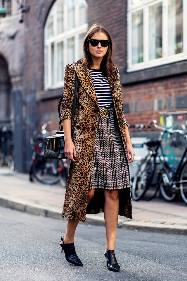 An Incredibly Cool Mixed Print Look to Try This Fall — Darja Barannik Street Style