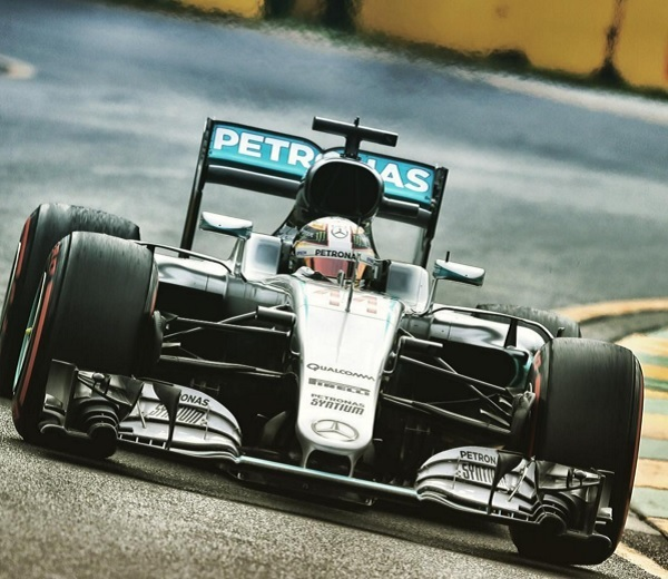 Hamilton se quedó con la primer pole position del año