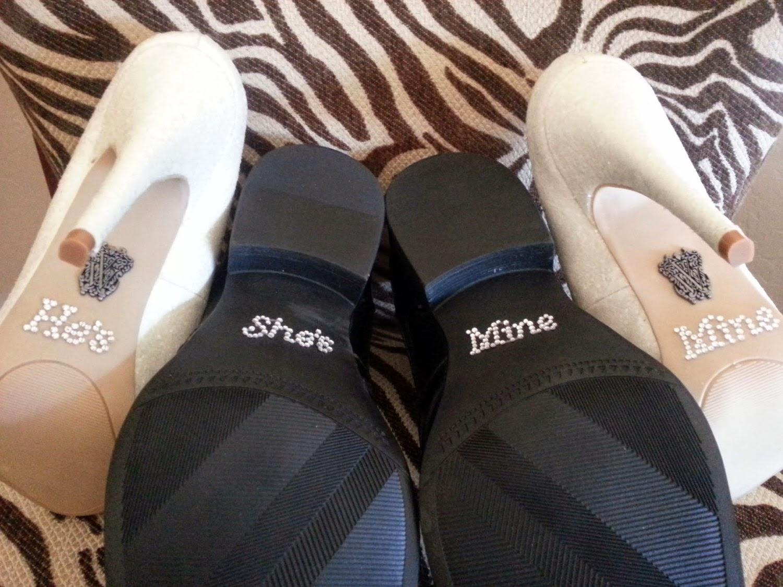 ideias criativas casamento - adesivo no sapato noiva