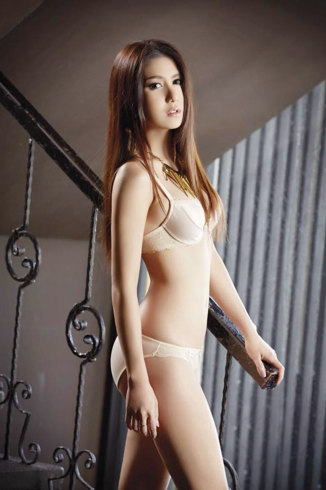 Foto Sexy Phak Phenpak Tercantik Di Majalah Playboy Thailand