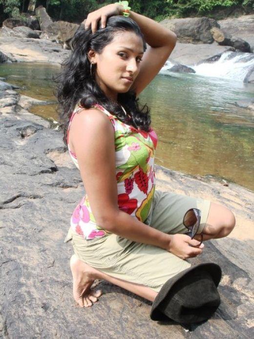 Sri Lankan Actress And Fashion Model Deena -9256