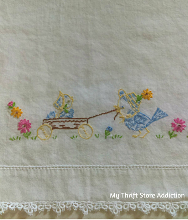 Friday's Find #142 mythriftstoreaddiction.blogspot.com Fabulous finds of the week including this vintage crib sheet and pillow case set! Available on Etsy ThriftStoreAddiction