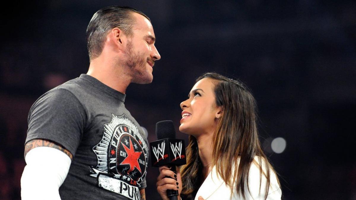 CM Punk adoraria ver um retorno de AJ Lee aos ringues