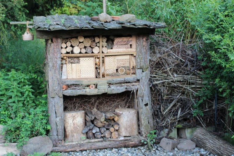 Wildes Gartengluck Insektenhotel