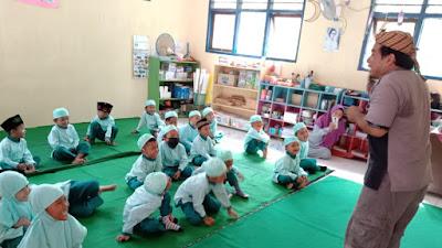 Undang Pendongeng, Peserta Didik TK Mardisiwi Rejosari Semarakan Ramadhan 1442 H