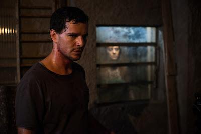 Daniel de Oliveira em cena de 'Morto não fala' ( divulgação)