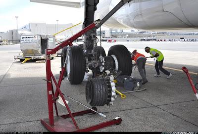 mecánicos de avión