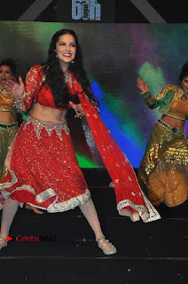 Bollywood Actress Model Sunny Leone Dance Performance in Red Half Saree at Rogue Audio Launch 13 March 2017  0057.jpg