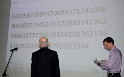ვლადიმერ მისაბიშვილი ასრულებს ზეპირ გამოთვლას 100–ციფრიანი რიცხვიდან