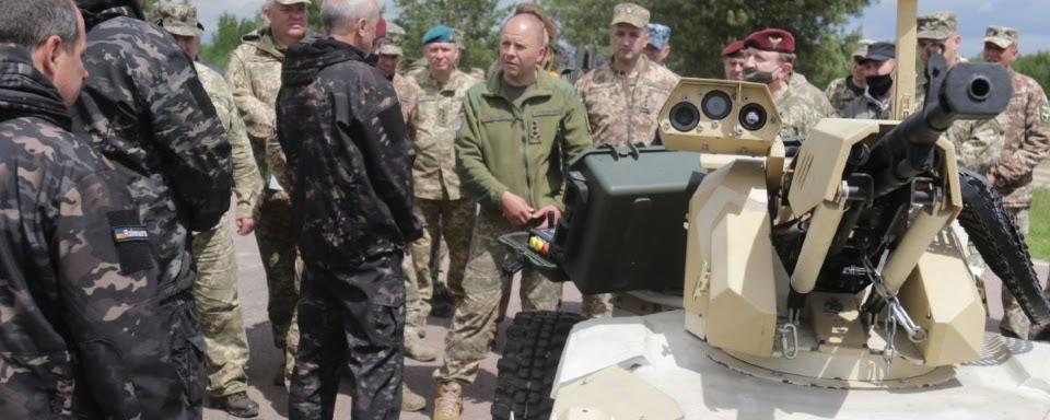 Приватні компанії продемонстрували військовим роботизовані платформи