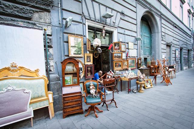 Via santa Maria di Costantinopoli-Napoli