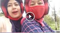Selfie Diatas Motor Berujung Petaka, Video Aksi 2 Wanita Cantik ini Jadi Viral
