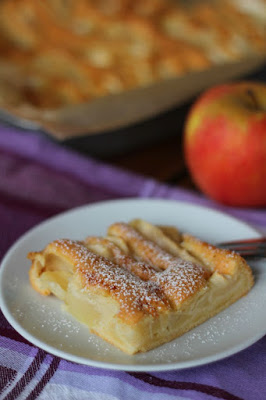 Jabłka zalewane ciastem, najprostszy jabłecznik