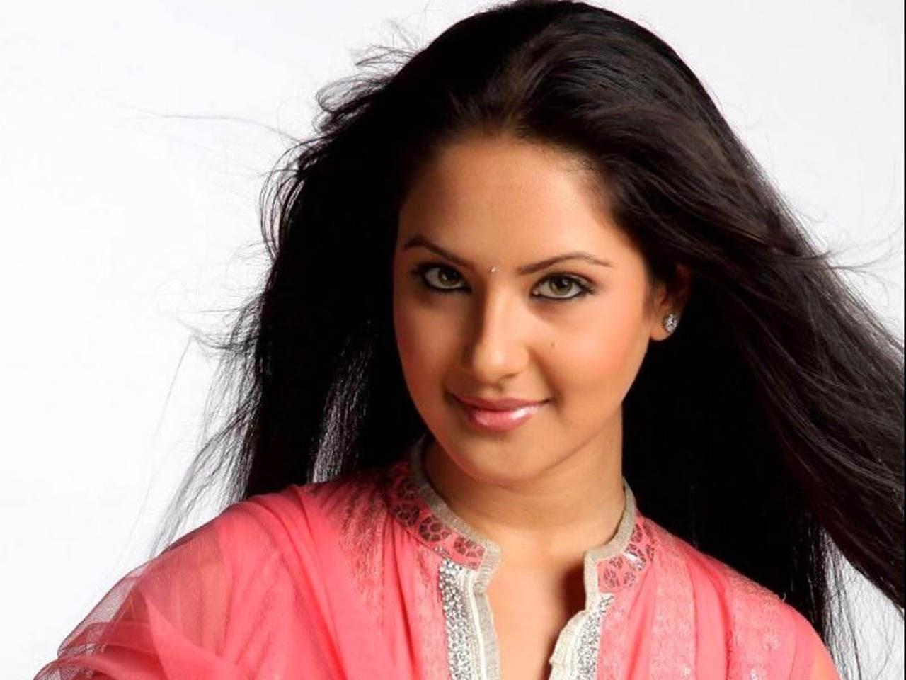 Pooja Bose Sexy Pics