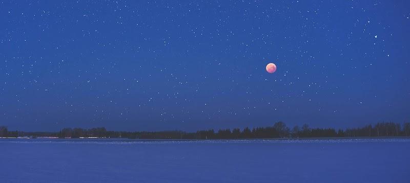 夏威夷的月亮有沒有比較圓? 下個月告訴您,敬祝各位中秋愉快