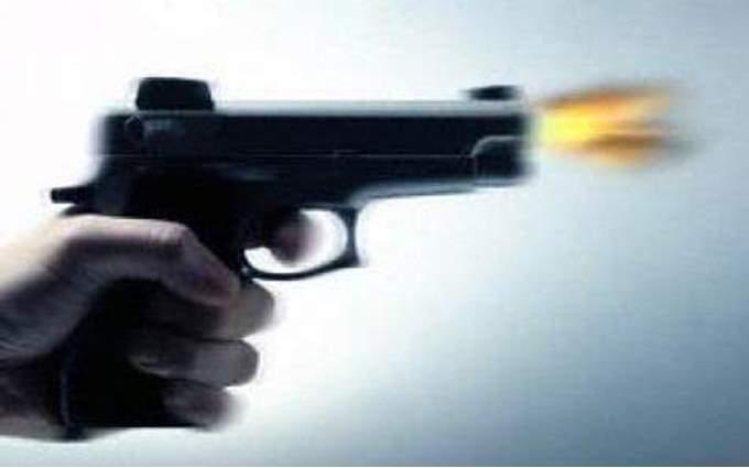 إصابة عامل بطلق نارى أثناء العبث ببندقية آلية بسوهاج