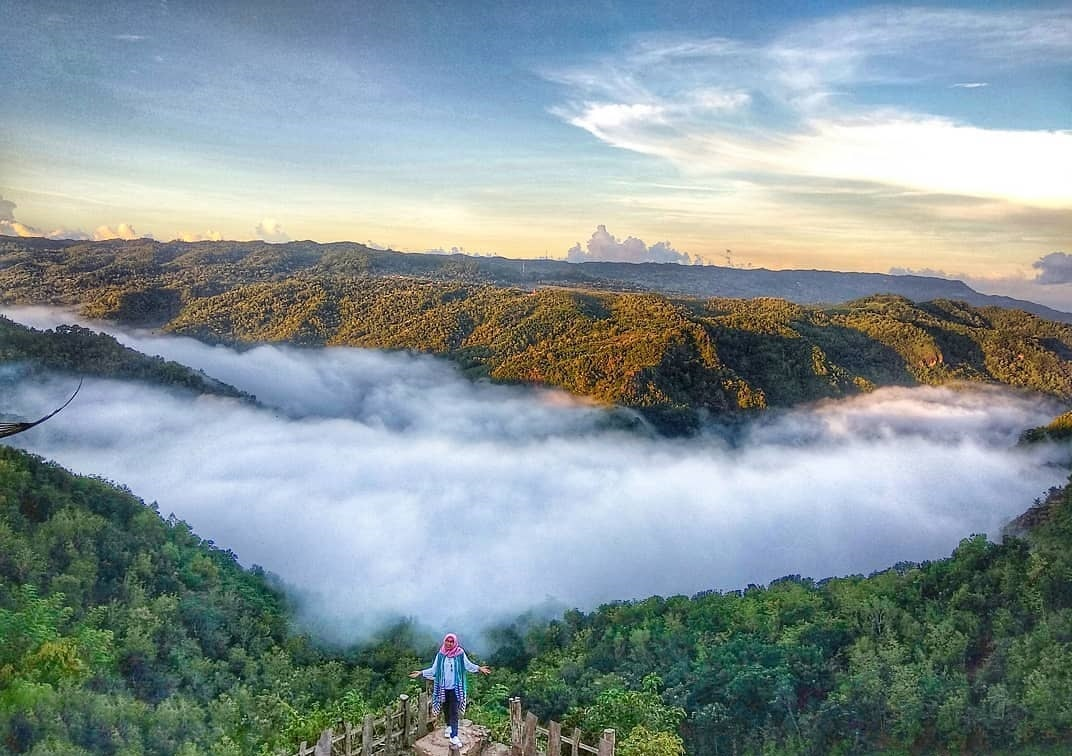 Puncak Kebun Buah Mangunan Bantul Daerah Istimewa Yogyakarta