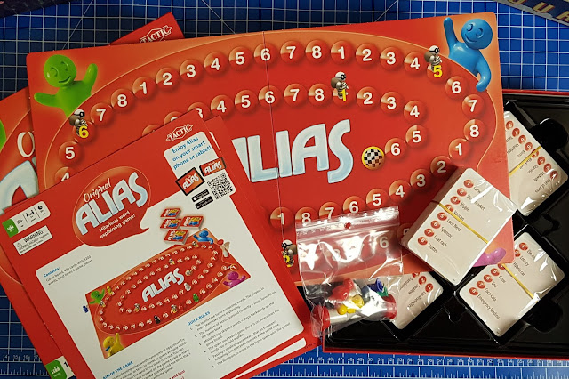 Alias Family Board Game Review Age 10+ box contents