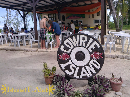 Restaurant on Cowrie Island, Honds Bay