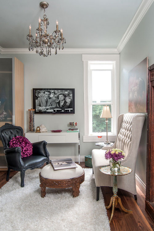 living room with glam furniture and walls painted with Benjamin Moore Gray Cashmere