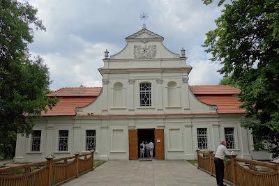 """Kościół """"na wyspie"""" św. Jana Nepomucena w Zwierzyńcu"""
