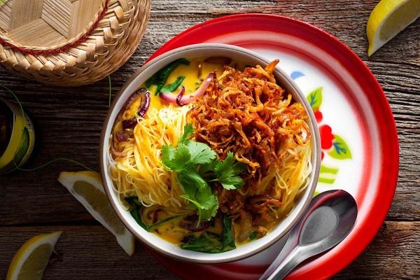 Khao Soi  món ăn truyền thống của xứ sở Chùa Vàng
