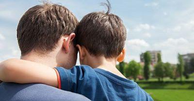Hombre y mujer, sexos existentes, amor matrimonial, padres e hijos, familia cristiana