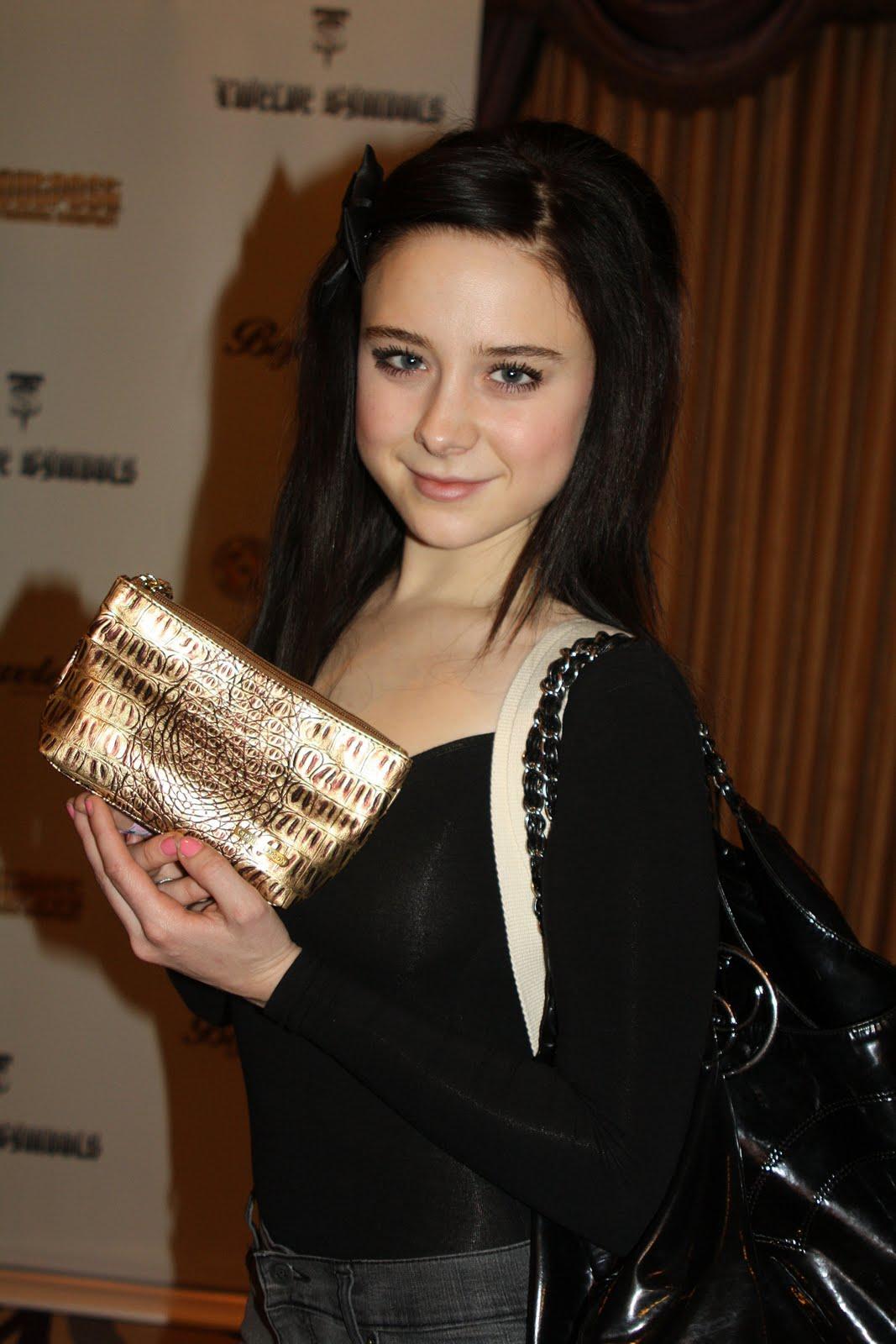 Alessandra Torresani Hot Actress Japan 18 Gallery Emma