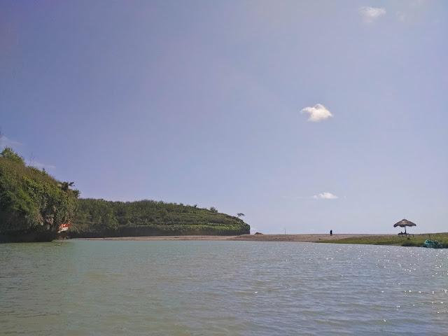 Muara Sungai : Pantai Ngiroboyo