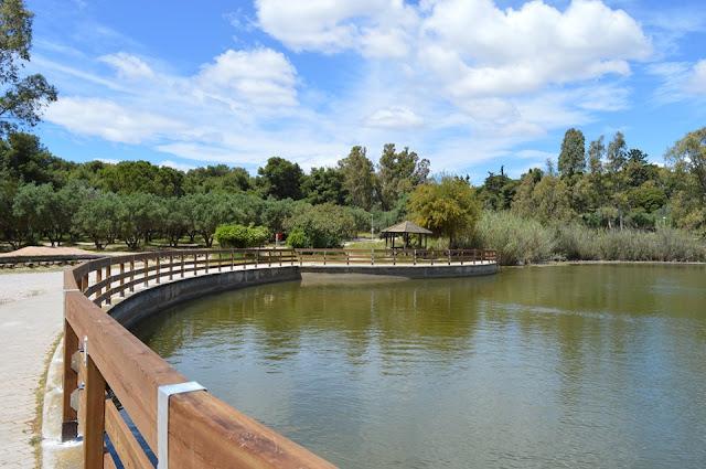 Πάρκο Τρίτση: Ο Φορέας Διαχείρισης παραδίδει στους επισκέπτες και το στηθαίο της μεγάλης λίμνης