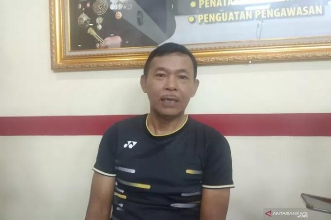 Jaga Stamina, Kapolri Idham Aziz Rutin Olahraga Bulu Tangkis