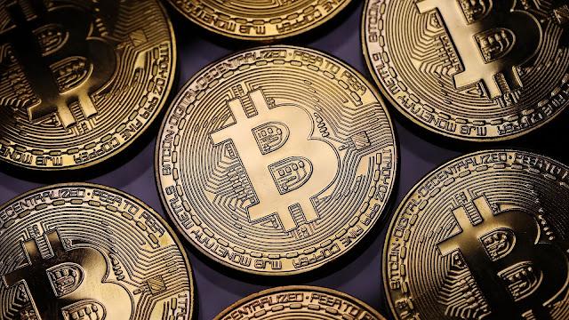 Kup Bitcoin za pomocą karty debetowej, kredytowej lub przelewem bankowym