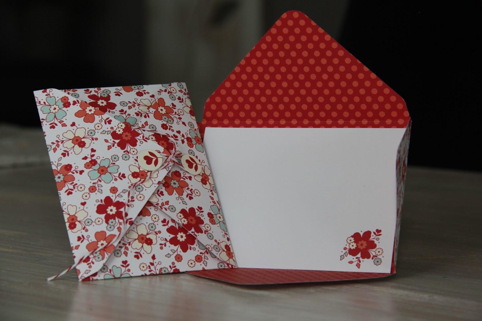 Toll Hier Seht Ihr Einen Zettel Den Ihr Beschreiben Könnt In Einem Kleinen Und  Niedlichen Umschlag, Den Ihr Mit Einem Bändchen Schließen Könnt.