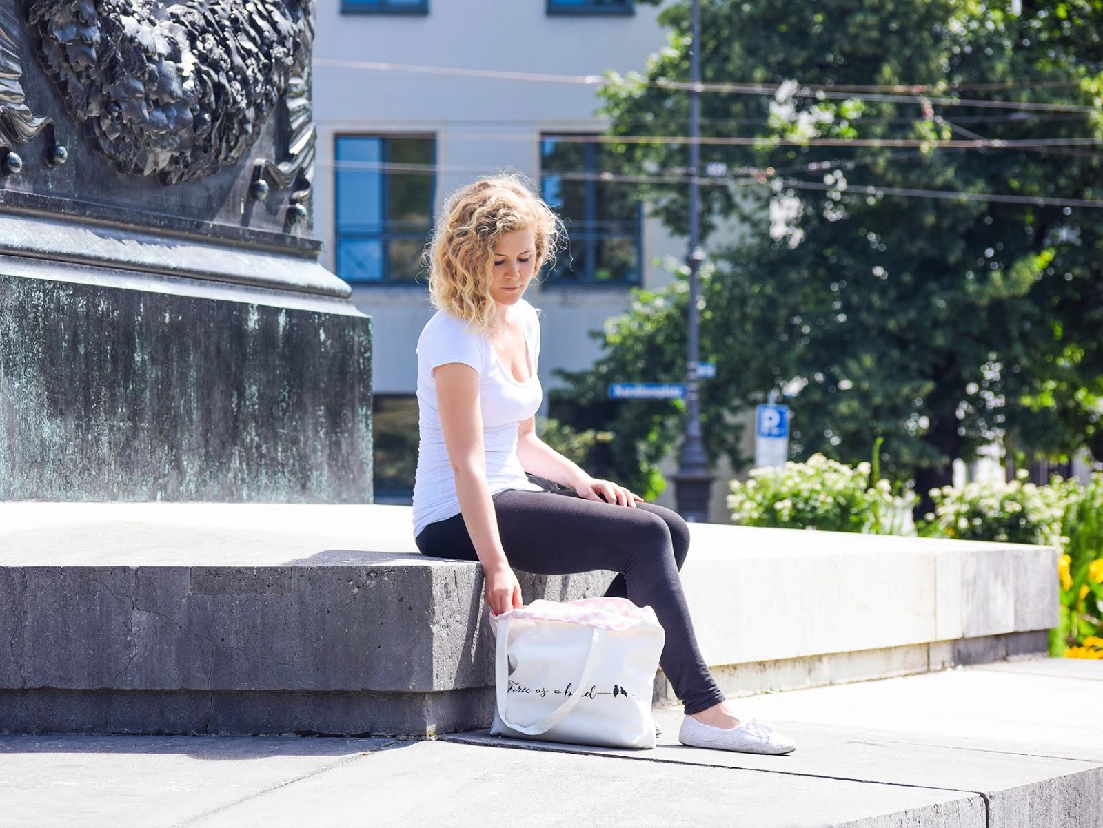 Frau Park Tasche Jutebeutel blonde Locken